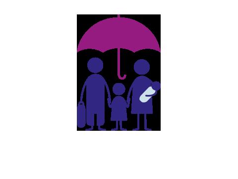 Familie mit Gepäck unter einem Schirm